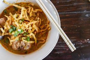 khao soi, norra thailändska nudlar curry soppa