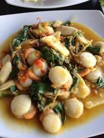 kryddig stekt skal. Thai mat foto
