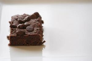 brownie på en tallrik foto