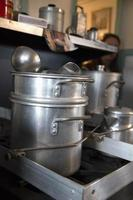 matlagning krukor foto