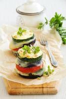 rostade grönsaker med ost foto