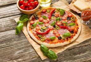 läcker hemgjord pizza foto