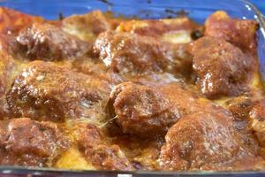 köttbullar pasta bakar foto