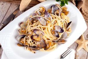 spaghetti med musslor recept foto