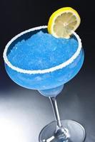 blå margarita cocktail