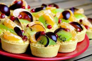 mini tårta med frukt
