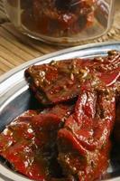 fyllda röda chili pickle foto