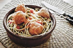 spaghetti med köttbullar foto