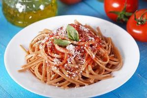 spaghetti med tomatsås