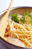 spaghetti och krämig sås foto