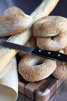 urval av fina bröd foto