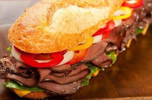 rostbiffsmörgås foto