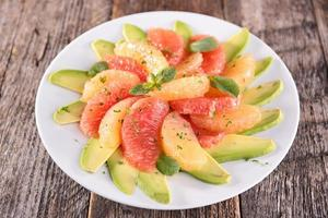 grapefrukt och avokado foto