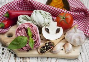 ingredienser för italiensk pasta foto