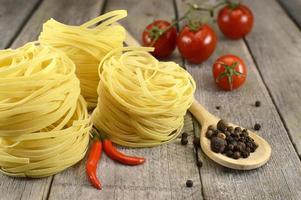 italienska nudlar stilleben foto