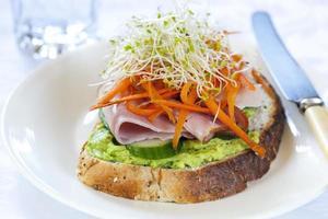 öppen smörgås foto