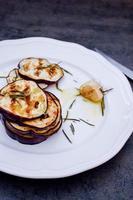 rostade aubergine foto