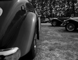 lyxbil svartvitt foto