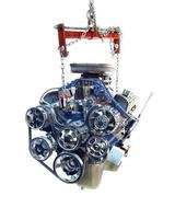 högpresterande v8-motor på lyftanordning foto