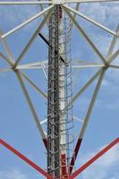 konstruktion av ett telekommunikationstorn foto