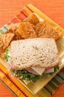 lunch hälsosam smörgås skinka kalkonost foto