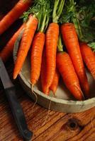 massa färska morötter foto