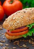 färsk grönsakssmörgås