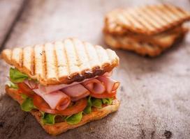rostat bröd med rostat bröd foto