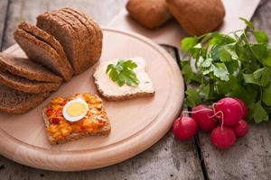 ingredienser för en färsk smörgås foto