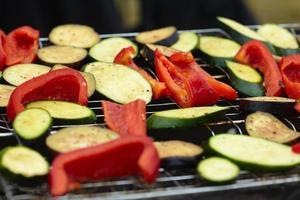 zucchini, paprika, aubergine kokta grillad foto