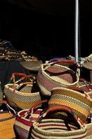 afrikanska konstkorgar på Tucson-pärla och mineralshow foto