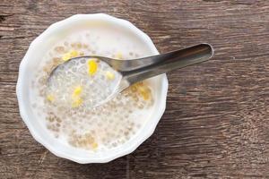 tapioca pärlemor, thailändsk efterrätt. foto