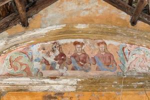 detalj av barock fresco i övergivet kapell foto