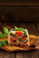 terrine potofe fläsk och grönsaker. foto
