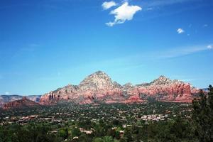 utsikt över dalen av sedona och berg, Arizona usa foto