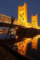 torn bridge sacramento flod huvudstad california centrum horisont foto