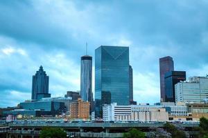 centrum av Atlanta på natten foto