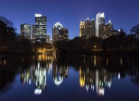 mitt i Atlanta natt foto