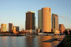 tampa skyline downtown solnedgång i staden foto