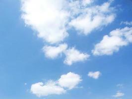 blå himmel bakgrunder foto