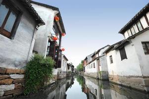 vacker kinesisk vattenstad