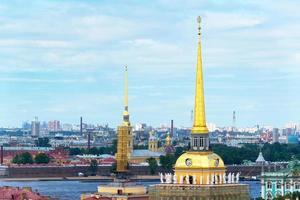 utsikt över helgonet Petersburg, Ryssland foto