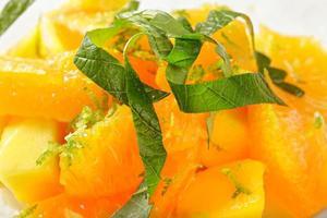 thailändsk fruktsallad närbild foto