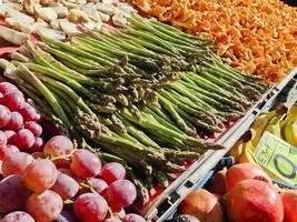 grönsaker på marknaden foto