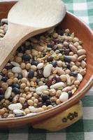 närbild av blandade baljväxter foto