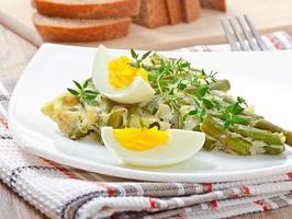 omelett med grön böna foto