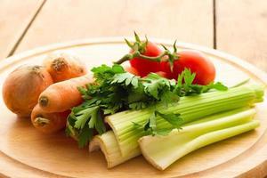 grönsaker för grönsaksbuljong foto