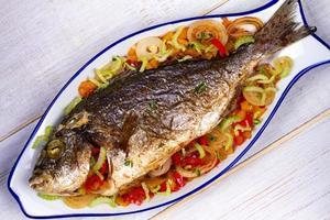 grönsaker - fylld fisk foto