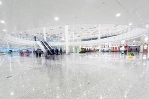 modernt flygplatsterminal väntrum foto