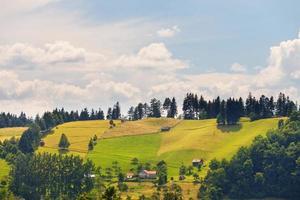 regnigt bergslandskap, Rumänien foto